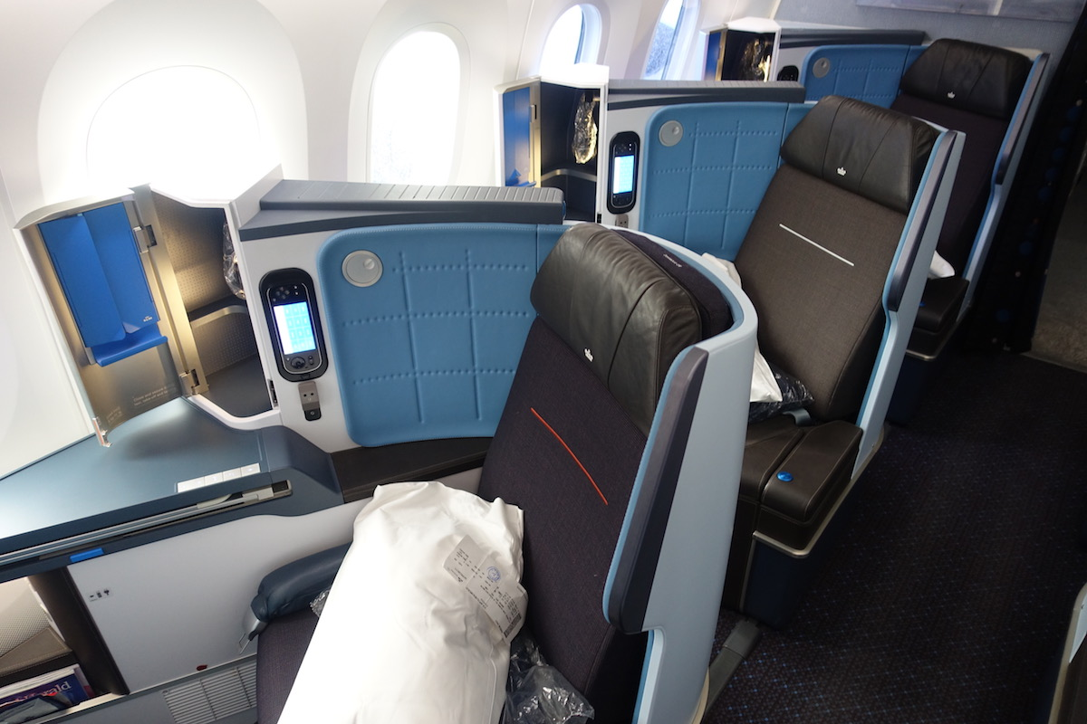 Review Of KLM's 787-9 Business Class 2
