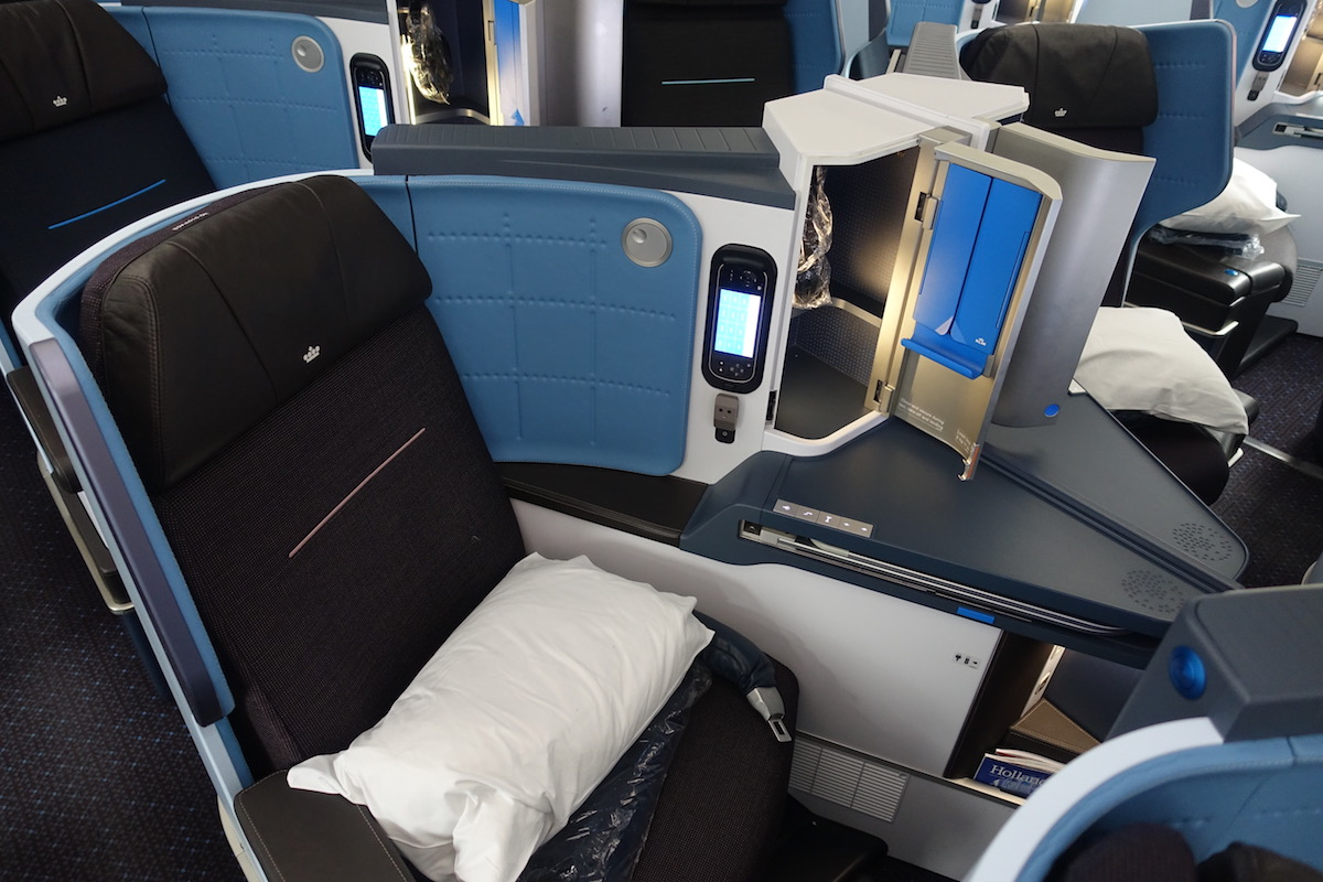 Review Of KLM's 787-9 Business Class 3