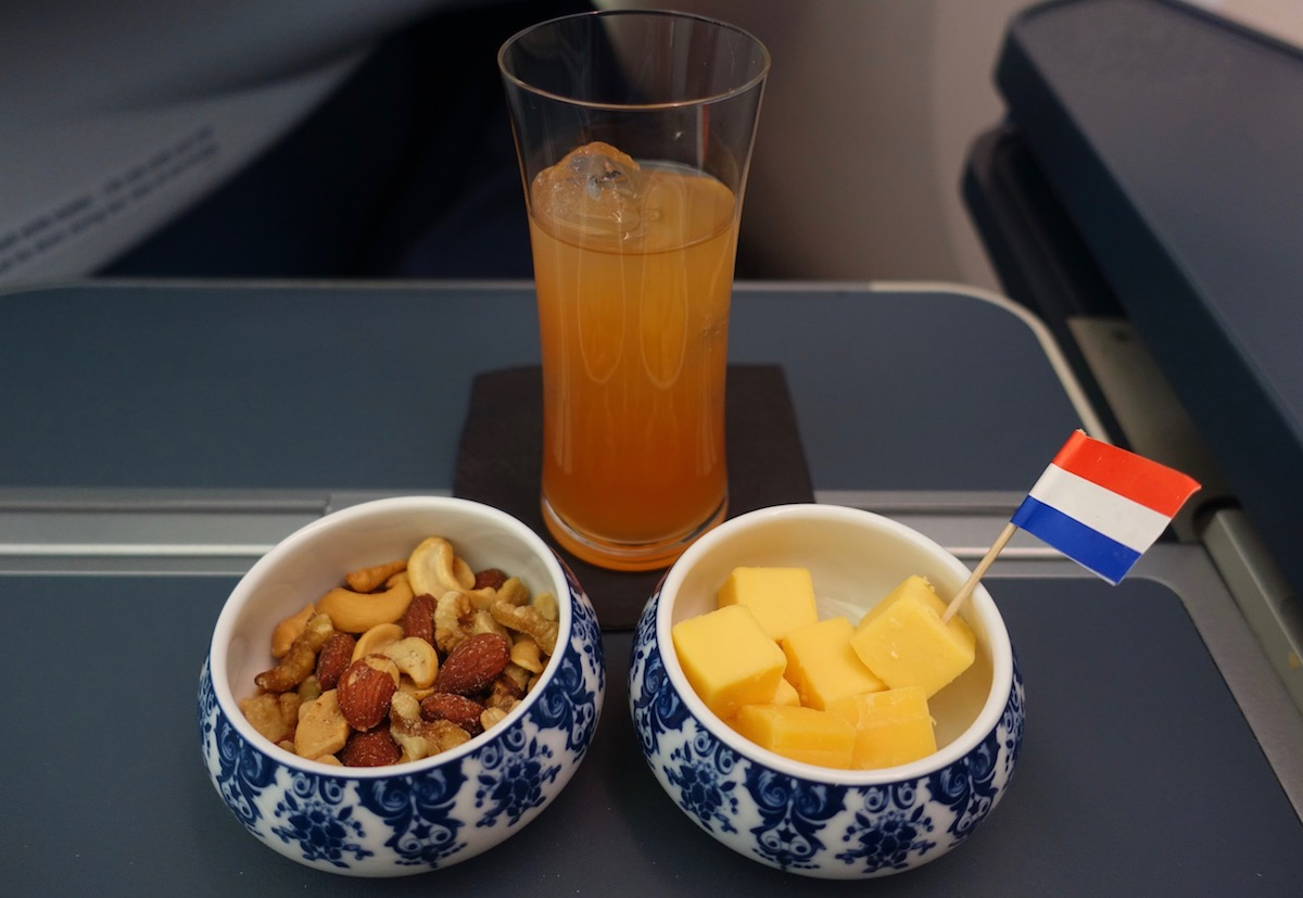 Review Of KLM's 787-9 Business Class 46
