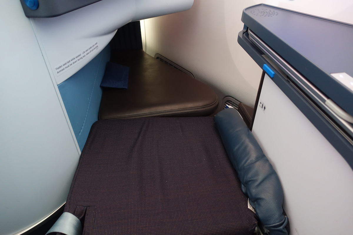 Review Of KLM's 787-9 Business Class 58