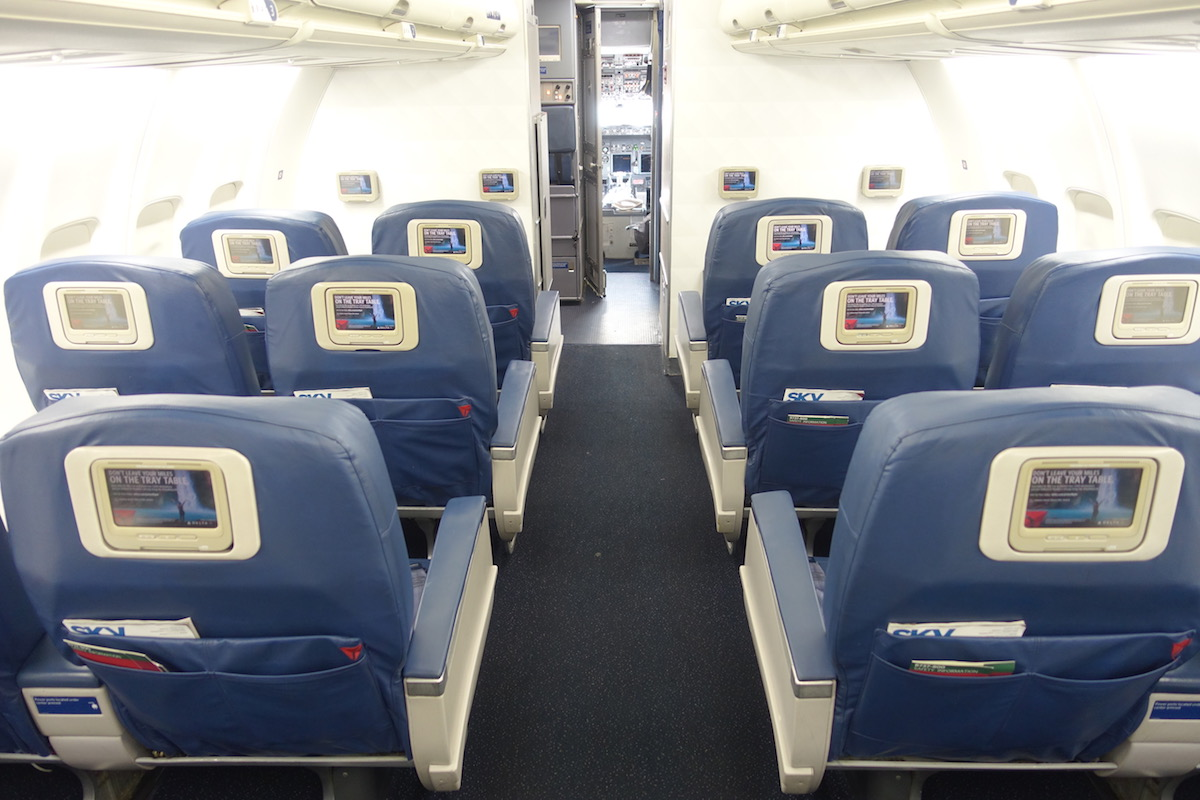 Review: Delta Air Lines 737 First Class