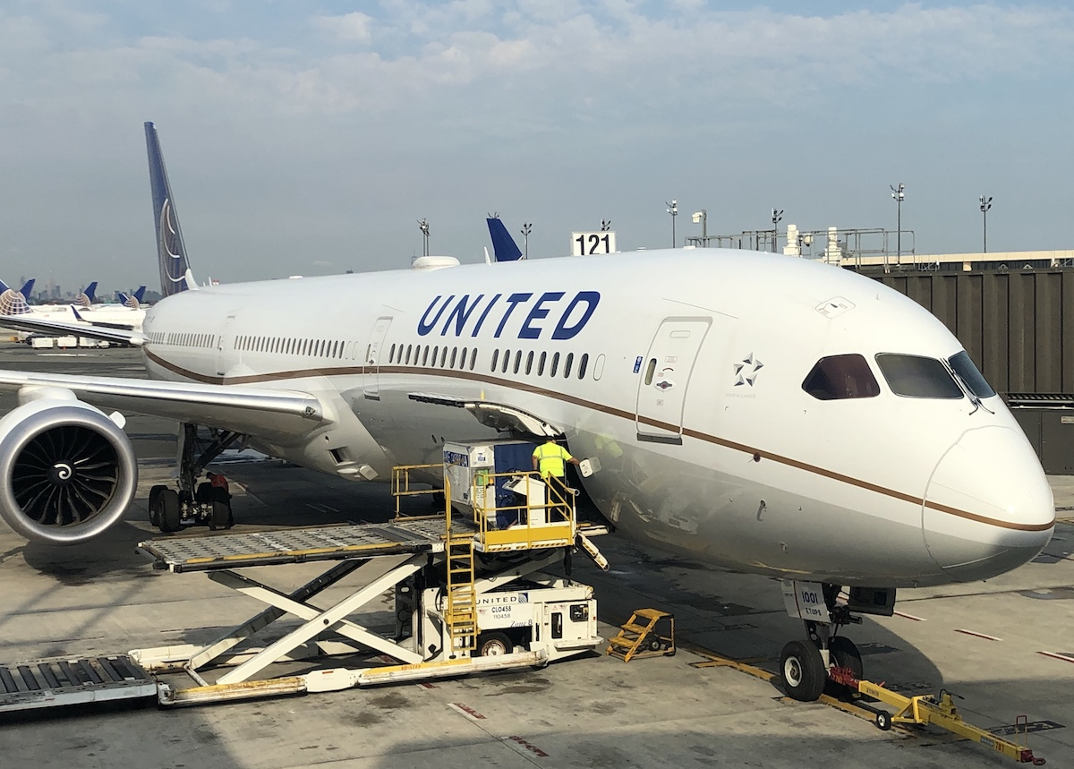 Review: United 787-10 Polaris Business Class | One Mile at a