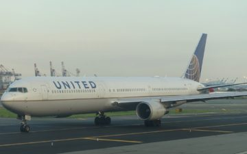 United 787 Polaris – 32