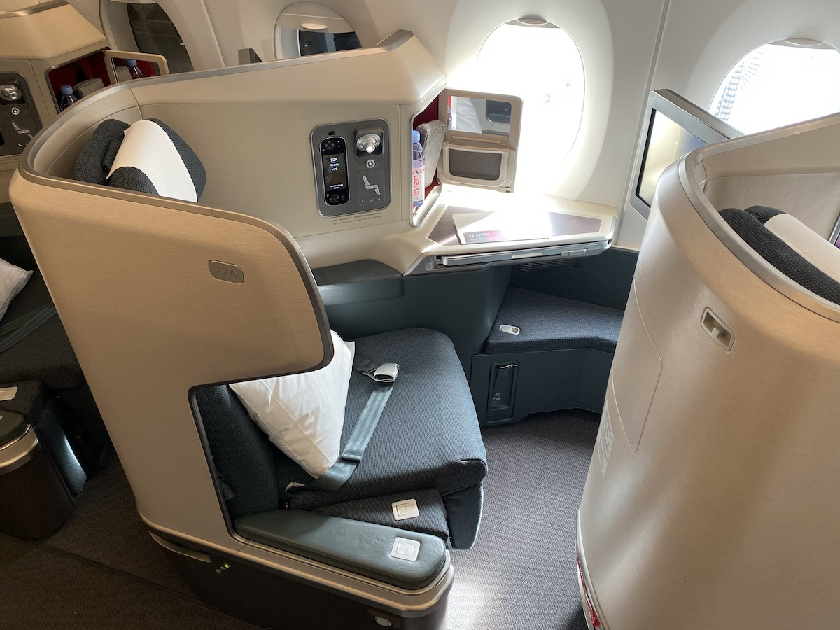 Did This Jerk Scam His Way Into Business Class?