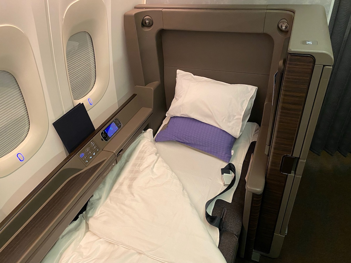 ANA First Class Suite 777 57