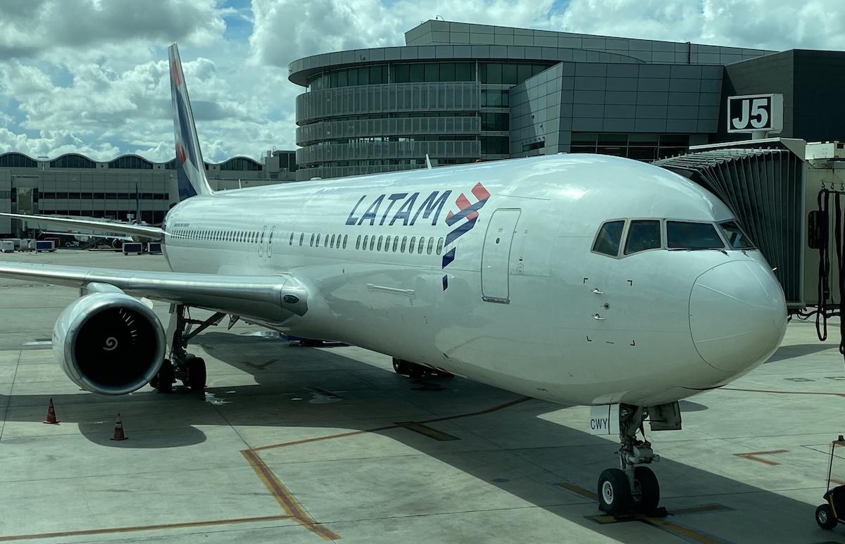 LATAM 767 300