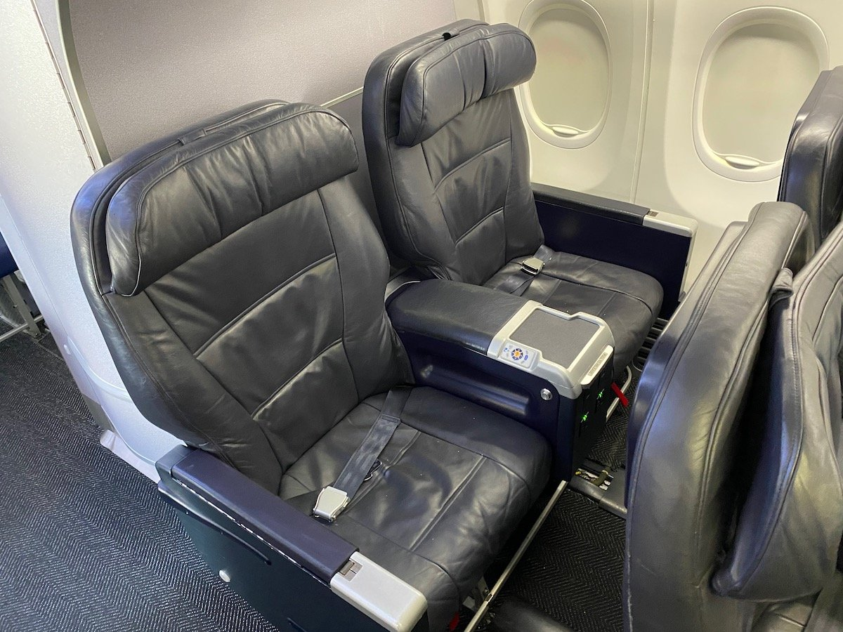 United 737 First Class Seat