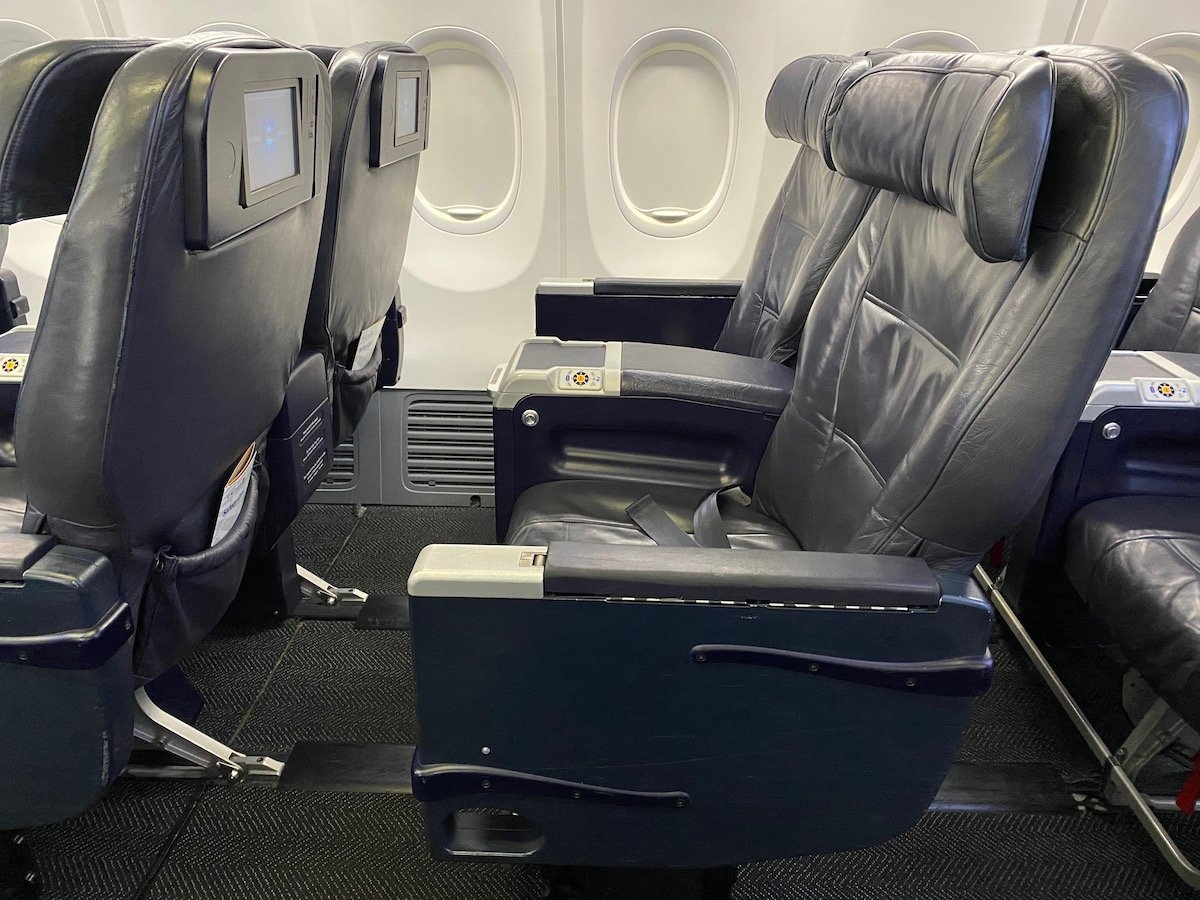 United First Class Seat 737
